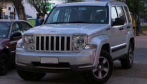Cómo Comprobar El Fluido De Transmisión En Un Jeep Liberty