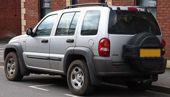El Motor de Arranque Del Jeep Liberty Necesita Ser Reemplazado