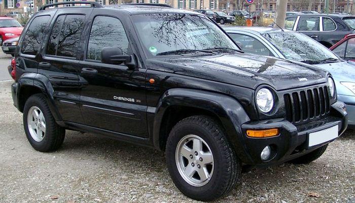 Jeep Cherokee estacionada