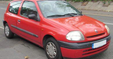 Cómo Cambiar La Batería En Un Renault Clio