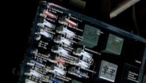 ¿Cómo Conectar Los Accesorios A Los Paneles De Fusibles?