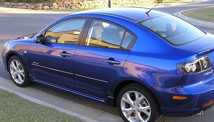 Realizar ajustes al freno de emergencia de tu Mazda 3