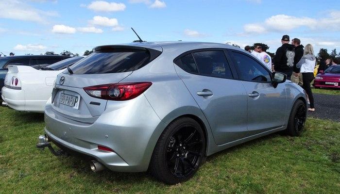 Sustituir Las Pastillas De Freno Traseras De Un Mazda 3