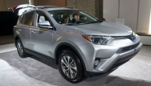 Cómo Cambiar Las Bujías De Encendido En Un Toyota RAV4