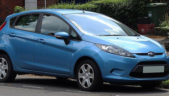 Cambiar Una Correa De Transmisión En Un Ford Fiesta