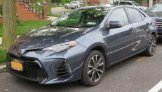 Cómo Cambiar La Correa De Transmisión De Un Toyota Corolla