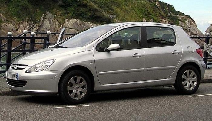 Filtro De Partículas Dañado En Un Peugeot 307